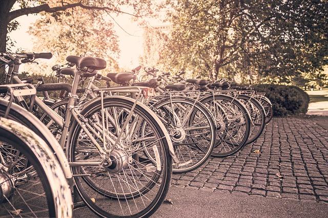 Perché gli scaffali per biciclette sono un segno di progresso ambiental