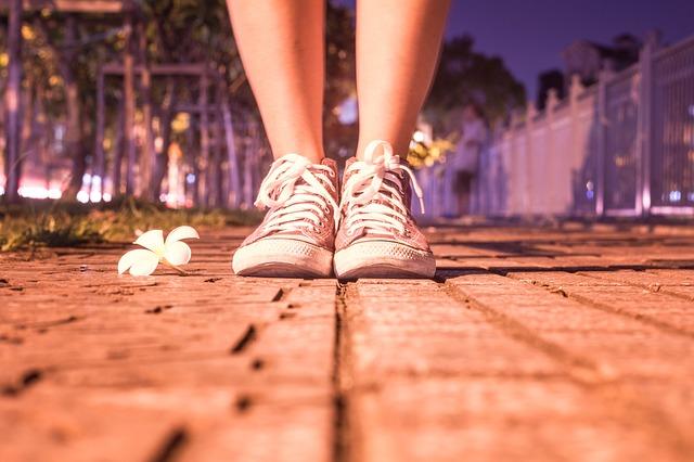 Come lacci per scarpe riflettenti e tiretti per cerniere ti salveranno la vita