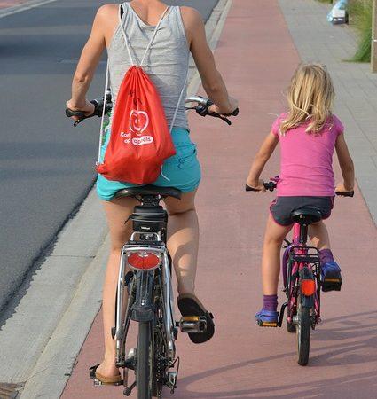 Suggerimenti per la sicurezza in bicicletta che ti terranno fuori pericolo
