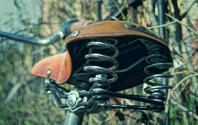 Sella della bicicletta dolorante: 6 cause più comuni