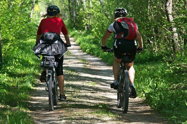 Scegli il giusto abbigliamento da ciclismo per le tue vacanze