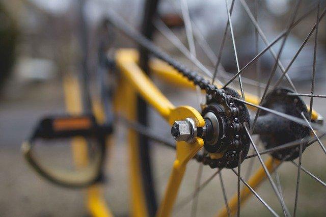 Preparati agli attrezzi con l'attrezzatura da ciclismo
