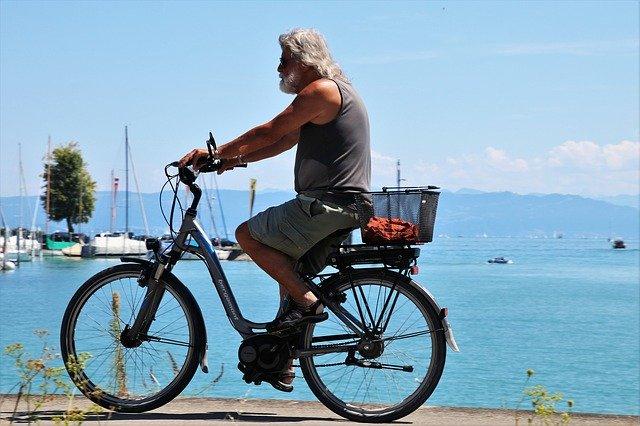 Recensione della bicicletta elettrica Trailz EZip maschile di Currie Technologies