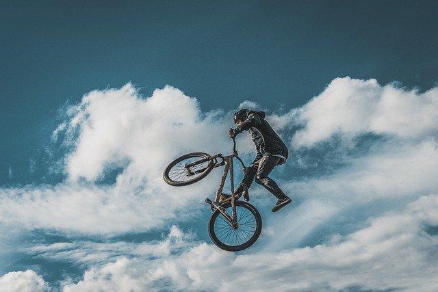 Se indossare un casco da bicicletta o no?